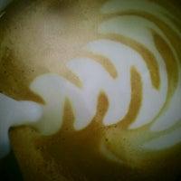 3/2/2013 tarihinde Kaan G.ziyaretçi tarafından Starbucks'de çekilen fotoğraf