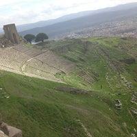3/13/2013 tarihinde Furkanziyaretçi tarafından Bergama Kalesi Akropol'de çekilen fotoğraf