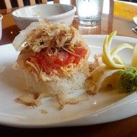 รูปภาพถ่ายที่ Sushi Itto โดย Irving A. เมื่อ 12/5/2012