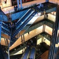 Foto tirada no(a) Shopping Vila Olímpia por Adriana W. em 4/13/2013