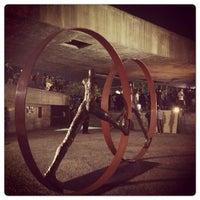 Foto tirada no(a) Museu Brasileiro da Escultura (MuBE) por Karina S. em 7/2/2013