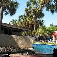 Foto tomada en Hotel Izalco & Beach Resort por Josué B. el 7/27/2014