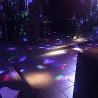 Foto tomada en Botas Bar por RUDY M. el 8/20/2016