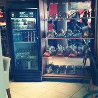 Photo taken at Café Emir by Yo soy raul on 9/19/2012