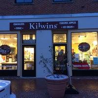 Photo taken at Kilwins Chocolates & Ice Cream by Yizaiz S. on 12/31/2017