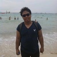 Photo taken at หาดแสม by Boy N. on 1/27/2013