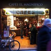 3/15/2013 tarihinde Sergei V.ziyaretçi tarafından Cafés El Magnífico'de çekilen fotoğraf