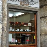 Foto tomada en Bar Antica Piazza delle Erbe por Denis S. el 7/26/2014
