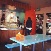 Photo taken at Tomato Pie Pizza Joint by Michael R. on 11/27/2012