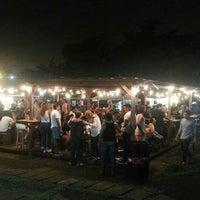 Foto tomada en El Predio - Food Truck Park por Kenny S. el 8/26/2017