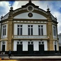 Photo taken at Teatro Ribeiragrandense by Anton B. on 7/4/2013