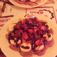 4/6/2015 tarihinde Bahar T.ziyaretçi tarafından Waffle'cı Akın'de çekilen fotoğraf
