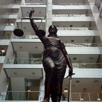 4/17/2013 tarihinde Gokhan A.ziyaretçi tarafından İstanbul Adalet Sarayı'de çekilen fotoğraf