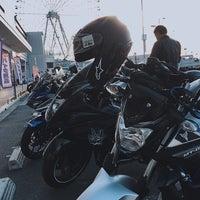 Photo taken at バイクワールド りんくうシークル店 by おいちゃん on 1/4/2018