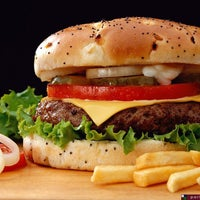 Снимок сделан в McDonald's пользователем Aqelah A. 1/22/2013