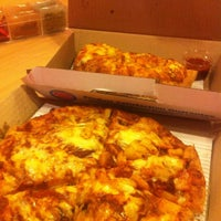 Foto scattata a Domino's Pizza da nick.tawat N. il 10/30/2013