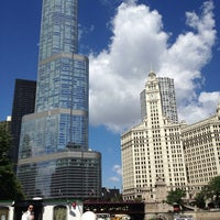 Foto tomada en Chicago Architecture Foundation River Cruise  por Dan P. el 8/1/2013