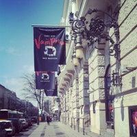Photo prise au Stage Theater des Westens par Ekaterina N. le4/23/2013