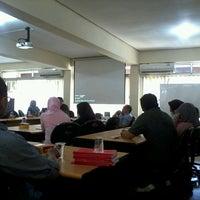 Photo taken at Fakultas Matematika dan Ilmu Pengetahuan Alam (MIPA) by Ardinatu H. on 5/8/2013
