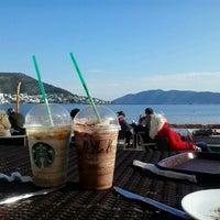 2/16/2013 tarihinde Aylin C.ziyaretçi tarafından Starbucks'de çekilen fotoğraf