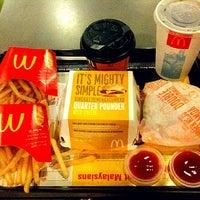 Photo taken at McDonald's / McCafè by Agnes T. on 1/30/2013