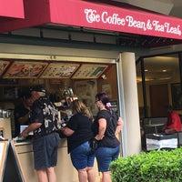 Photo taken at The Coffee Bean & Tea Leaf by junya k. on 2/21/2016