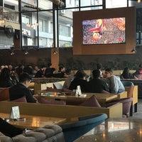 รูปภาพถ่ายที่ Big Boss Lounge โดย Mr R. เมื่อ 4/29/2018