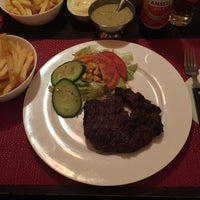 Photo taken at Fred's Steak & Ribhouse by Iván N. on 11/22/2015