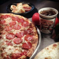 4/14/2013 tarihinde Pomodoro Pizza Pastaziyaretçi tarafından Pomodoro Express'de çekilen fotoğraf