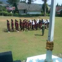 Photo taken at Yon Armed 5/105 Pancagiri.Tarik,Palasari Cipanas Kab.Cianjur Jawa barat by Dzaki A. on 10/26/2013