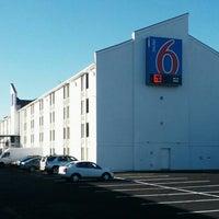 Photo taken at Motel 6 by Joe W. on 10/15/2013