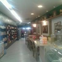 Photo taken at Padaria Salete Pelinca by Eduardo B. on 5/28/2013