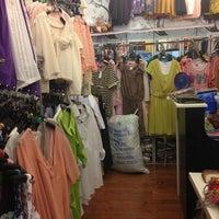 Photo taken at ร้านชบาแก้ว by SriGreat'z A. on 5/19/2013