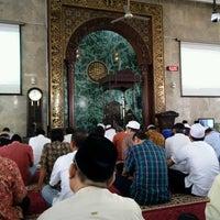 Photo taken at Masjid Agung Sunda Kelapa by Aan T. on 8/18/2017