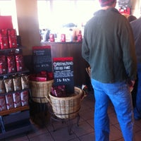Photo taken at Starbucks by Shayelle D. on 11/28/2013