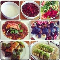 3/18/2014 tarihinde Çulcuoğlu Restaurantziyaretçi tarafından Çulcuoğlu Restaurant'de çekilen fotoğraf