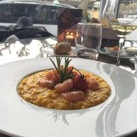 Photo prise au Café Calla at Mandarin Oriental, Geneva par Valentina R. le4/22/2016