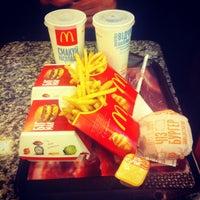 Снимок сделан в McDonald's пользователем Evgeniy V. 3/7/2013