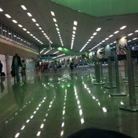 Photo taken at Rio de Janeiro–Galeão International Airport (GIG) by Victor A. on 10/16/2013