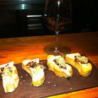 Foto tomada en Saffron Restaurant & Tapas por Antonio G. el 2/19/2013