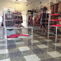 Photo taken at Showroom Franca by Meylin Y. on 6/11/2013