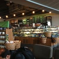 Photo taken at Starbucks by Dominik R. on 9/14/2013