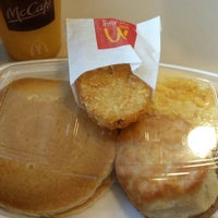 Photo taken at McDonald's by Nallely M. on 4/24/2014