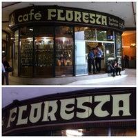 Foto scattata a Café Floresta da Henrique N. il 11/27/2012