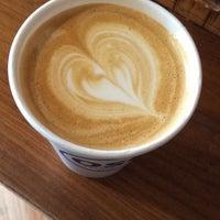 5/3/2018 tarihinde Wejdanziyaretçi tarafından Oslo Coffee Roasters'de çekilen fotoğraf