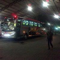 Photo taken at Terminal Bus Pusaka & Anugerah by Sulis T. on 4/29/2014