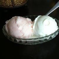 Photo taken at Samma Ice Cream by Piyathida J. on 3/25/2013