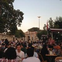 7/25/2013 tarihinde Dorukan G.ziyaretçi tarafından Tarihi Süleymaniyeli Meşhur Kuru Fasülyeci Erzincanlı Ali Baba'de çekilen fotoğraf