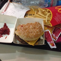 Photo taken at McDonald's by Reden B. on 12/13/2014