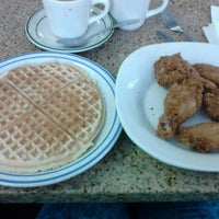 Photo taken at Lincoln's Waffle Shop by Jostelo G. on 4/5/2015